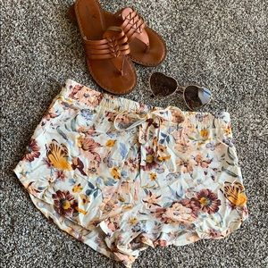 Kendall and Kylie Pacsun White Floral Shorts